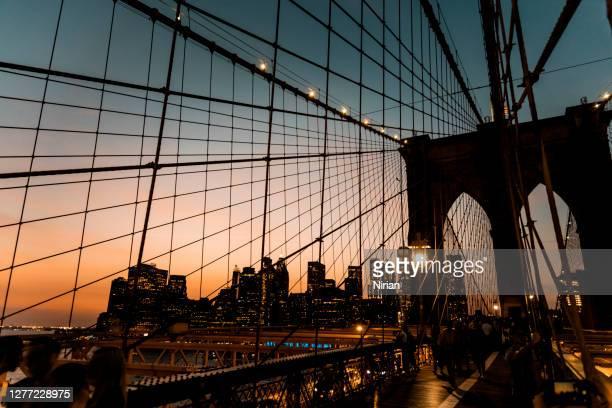 ブルックリン橋のシルエット - 様式 ストックフォトと画像