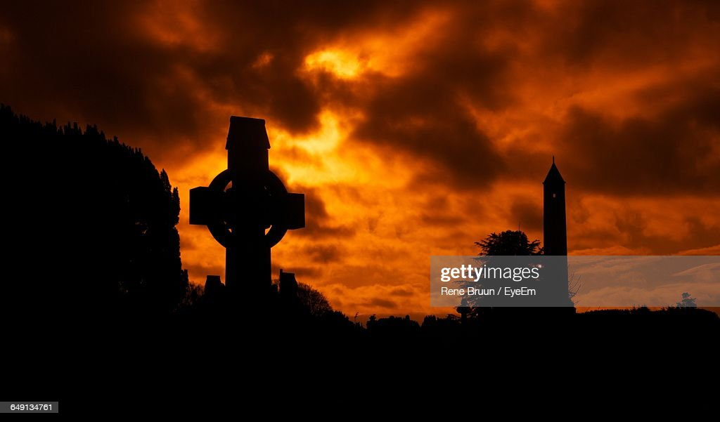 Silhouette Tombstone At Glasnevin Cemetery During Sunset : Stock Photo
