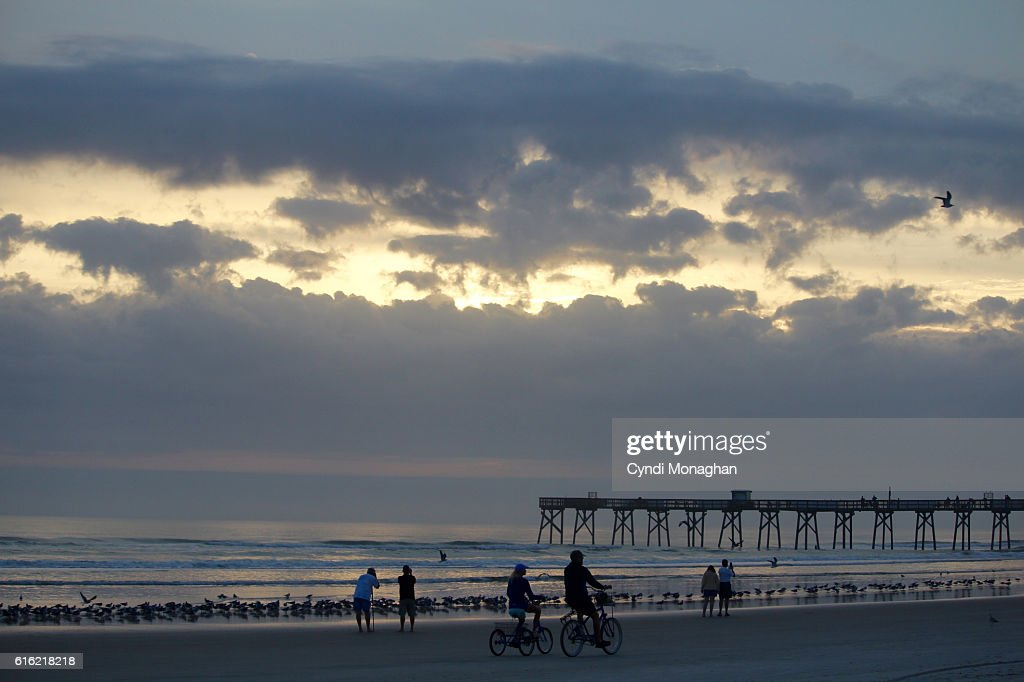 Silhouettes at the Beach : Stock Photo