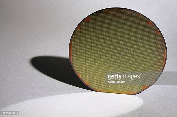 Silicon wafer disk shadow