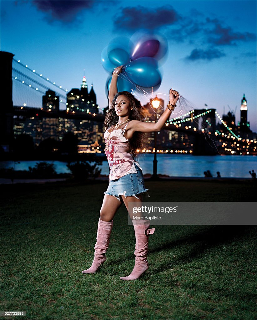 Ashanti, Vibe December 2004 : News Photo