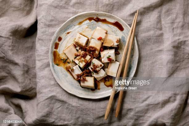 silk tofu cheese - prato de soja - fotografias e filmes do acervo