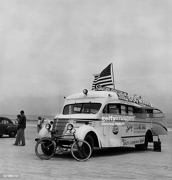 Silky's Hot Dog Stand USA 1954