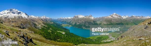 sils und silvaplana seen von oben gesehen, upper engadin (graubünden, schweiz) - 7 schüsse genäht - kanton graubünden stock-fotos und bilder
