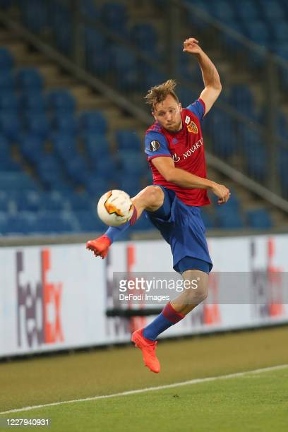 Silvan Widmer of FC Basel 1893 controls the Ball during the UEFA Europa League round of 16 second leg match between FC Basel and Eintracht Frankfurt...