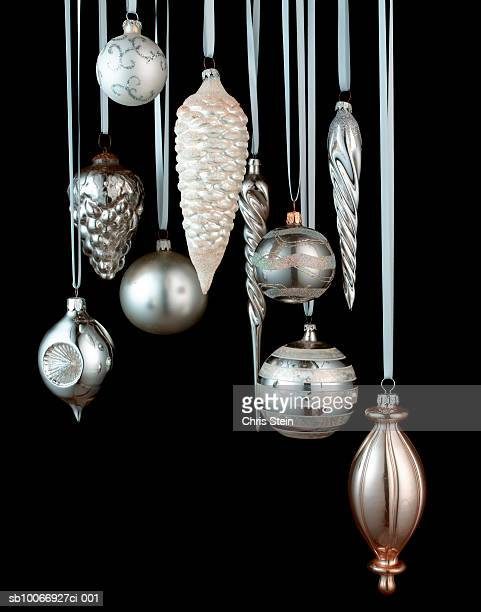 Silver Christmas Ornaments On Black Background Stock Foto Getty Images