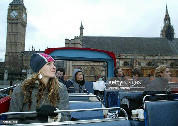 Silver Ferns Adine Harper Angela Mitchell Sheryl Clarke Irene Van Dyk and Leana du Plooy during a sight seeing tour around London The Silver Ferns...