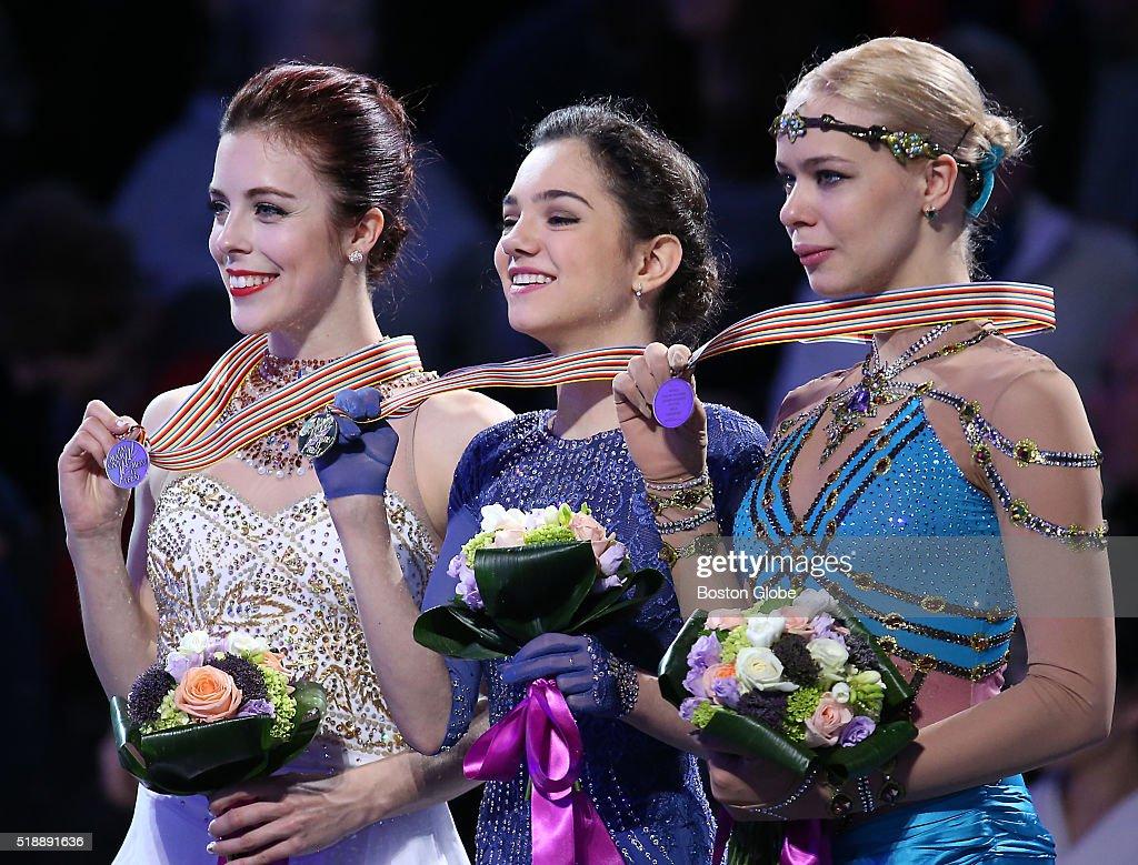 Resultado de imagem para medvedeva podium gold
