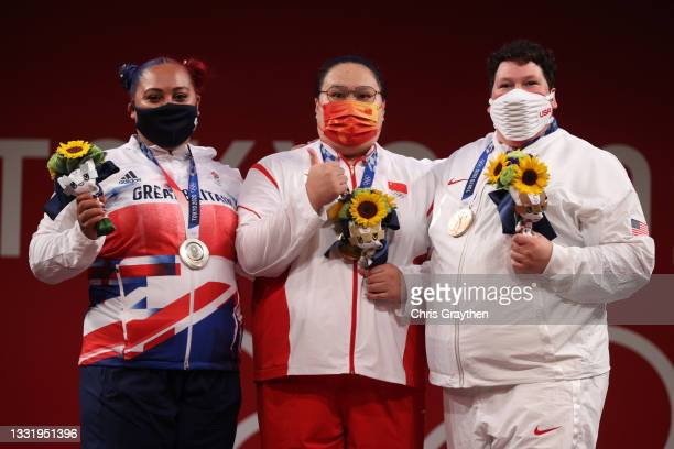 Silver medalist Emily Jade Campbell of Team Great Britain, gold medalist Wenwen Li of Team China and bronze medalist Sarah Elizabeth Robles of Team...