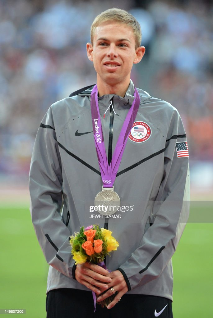 US' silver medalist Galen Rupp celebrate : News Photo