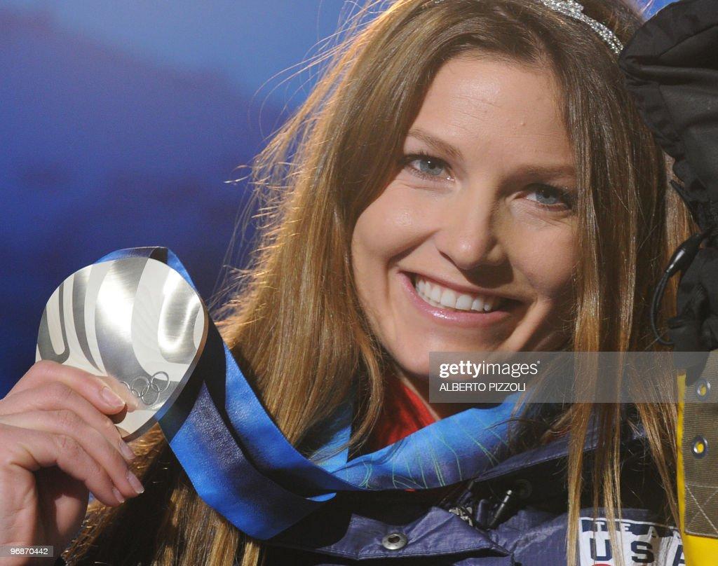 Silver medalist Julia Mancuso of the US : News Photo