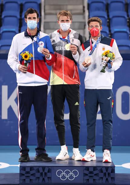 https://media.gettyimages.com/photos/silver-medalist-karen-khachanov-of-team-roc-gold-medalist-alexander-picture-id1331784391?k=6&m=1331784391&s=612x612&w=0&h=LqTyiaEWV3578XLJAOqcvuxulxQag1BTrxFQjBMxQp8=