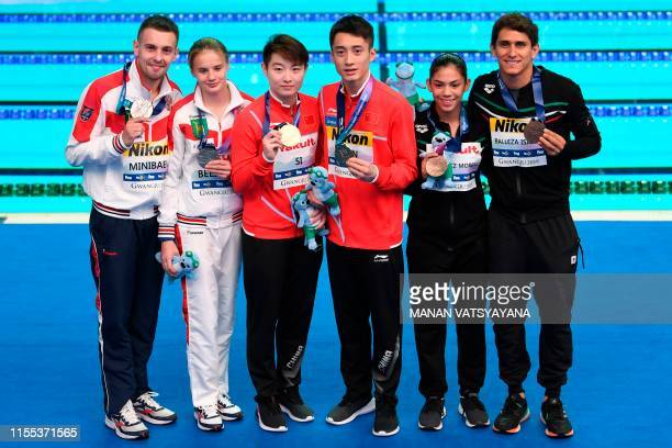 Silver medallists Russia's Viktor Minibaev and Ekaterina Beliaeva gold medallists China's Si Yajie and Lian Junjie bronze medallists Mexico's Jose...
