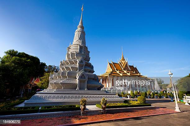 silver pagoda and grand palace phnom penh - phnom penh stock pictures, royalty-free photos & images