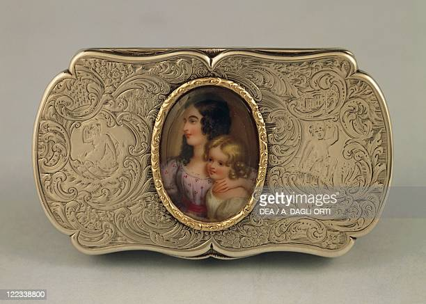 Silversmith's Art Great Britain 19th century Engraved silver snuffbox with an enamel plate depicting a double portrait