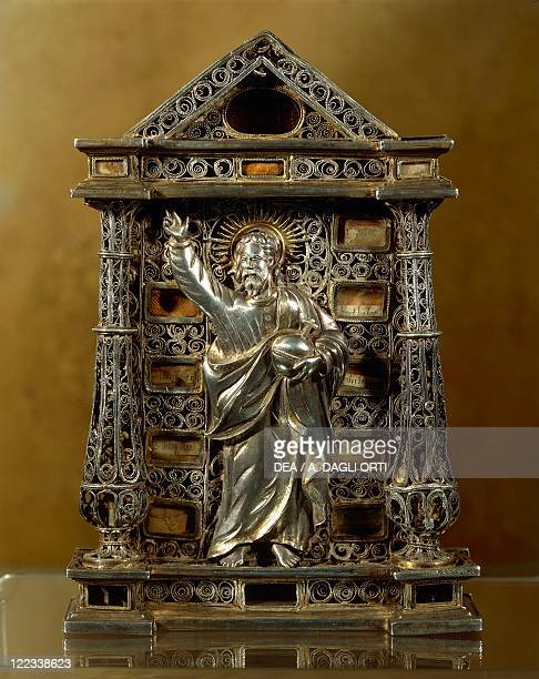 Silversmith's art Portugal 16th century Silver liturgical object called Pace or osculum pacis IndoPortuguese artwork from Carmo Convent Vidigueira