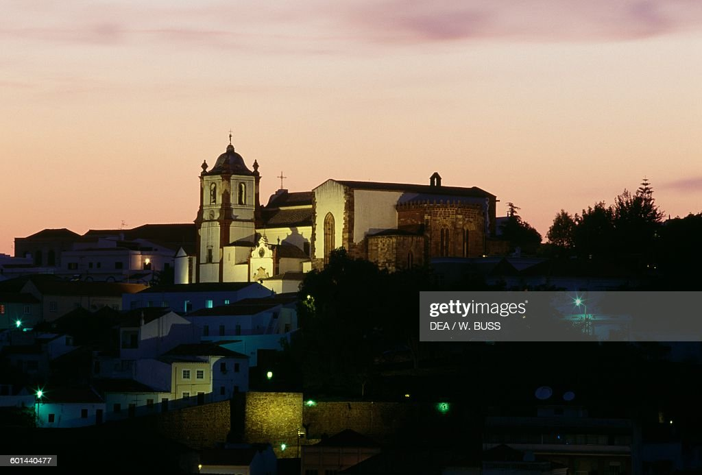 Silves cathedral at sunset, Faro district, Algarve... : News Photo