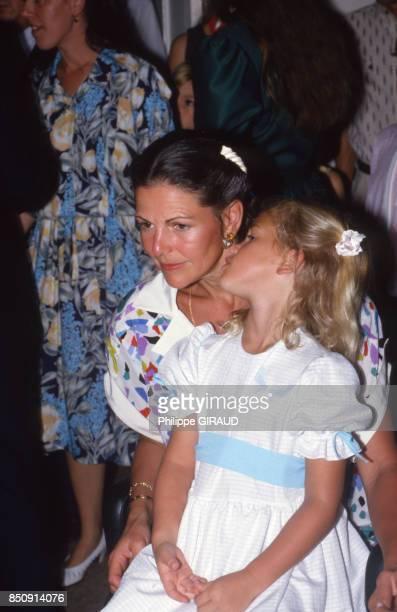 Silvia de Suède et sa fille Madeleine en visite à SaintBarthélemy en janvier 1988 France
