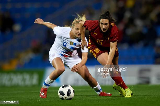 Silvia Meseguer of Spain and Lindsey Horan of USA during the friendly match between Spain and USA at Rico Perez Stadium in Alicante Spain on January...
