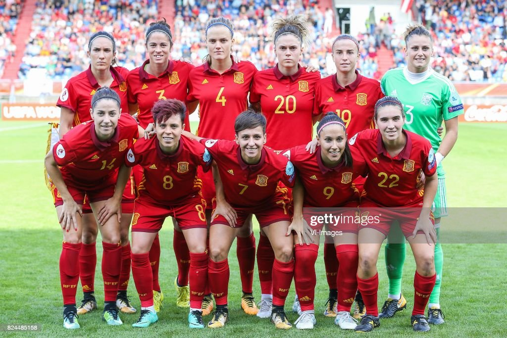 Silvia Meseguer of Spain, Marta Torrejon of Spain, Irene Paredes of Spain, Maria Leon of Spain, Barbara Latorre of Spain, goalkeeper Sandra Panos of Spain, Vicky Losada of Spain, Armanda Sampedro of Spain, Marta Corredera of Spain, Maria Paz of Spain, Mariona Caldentey of Spain during the UEFA WEURO 2017 quarter finale match between Austria and Spain at Koning Willem II stadium on July 30, 2017 in Tilburg, The Netherlands