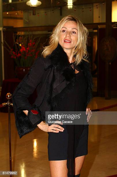 Silvia Rocca arrives at the Gala Premiere of film Stage Beauty at Teatro Manzoni on October 14 2004 in Milan Italy The event is in conjunction with...