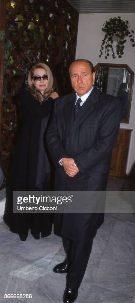 Silvio Berlusconi and his wife Veronica Lario at the funeral chamber of the military hospital in Tunis when Bettino Craxi died in 2000