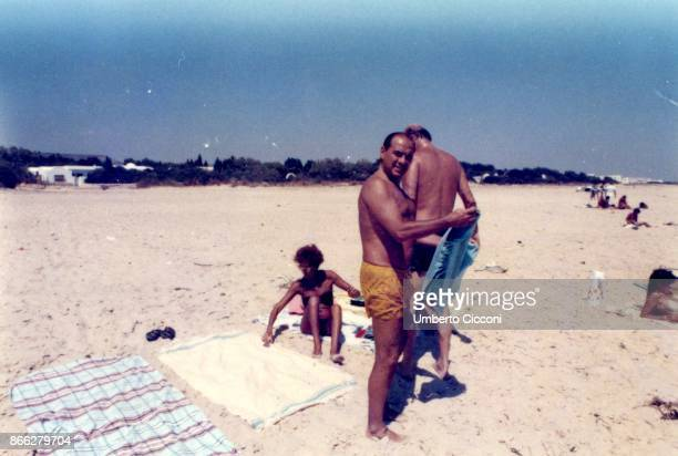 Silvio Berlusconi at the beach with the politician Bettino Craxi and his wife Anna Maria Moncini in Hammamet in August 1984