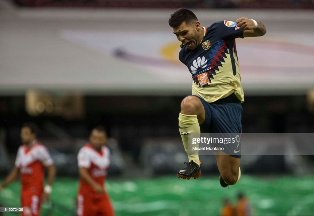 Silvio Romero of America celebrates after scoring the first goal of his team during the 8th round match between America and Veracruz as part of the Torneo Apertura 2017 Liga MX at Azteca Stadium on September 09, 2017 in Mexico City, Mexico.