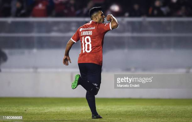 Silvio Romero of Independiente celebrates after scoring the first goal of his team during a first leg quarter final match between Independiente and...