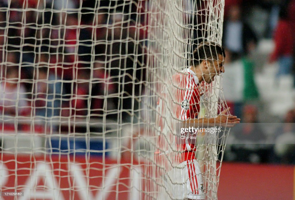 Simao of Benfica during the UEFA Champions Leage, Group F SL Benfica vs FC Copenhagen at Luz Stadium in Lisbon, Portugal on November 21, 2006