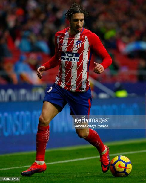 Sime Vrsaljko of Atletico de Madrid controls the ball during the La Liga match between Club Atletico Madrid and Getafe CF at Estadio Wanda...