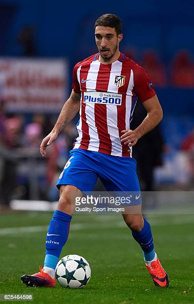 Sime Vrsaljko of Atletico de Madrid runs with the ball during the UEFA Champions League Group D match between Club Atletico de Madrid and PSV...