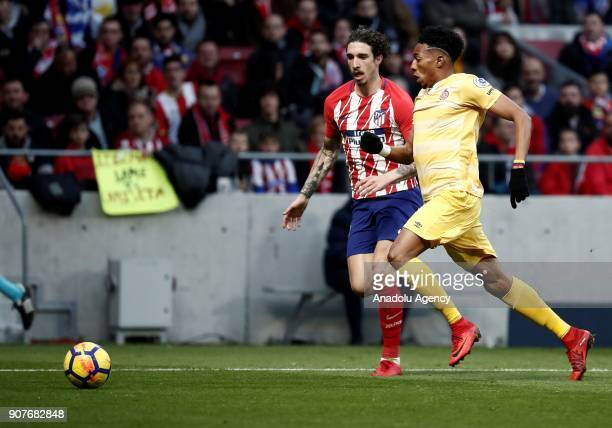 Sime Vrsaljko of Atletico Madrid in action against Johan Mojica of Girona during a La Liga match between Atletico Madrid and Girona at the Wanda...