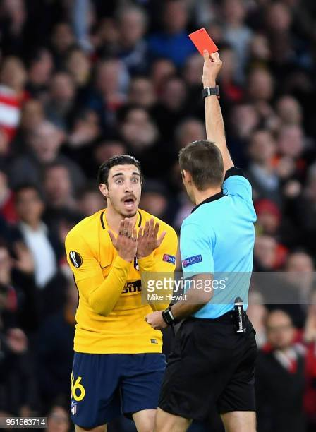 Sime Vrsaljko of Atletico Madrid is shown a red card during the UEFA Europa League Semi Final leg one match between Arsenal FC and Atletico Madrid at...