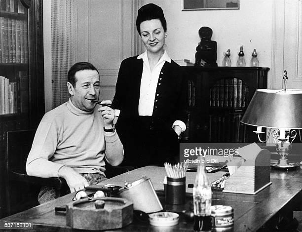 Simenon Georges Schriftsteller Belgien mit seiner Ehefrau 1958