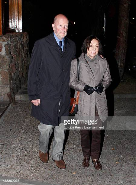 Simeon SaxeCoburgGotha and Margarita Gomez Acebo visit Prince Kardam of Bulgaria on his 51st birthday on December 2 2013 in Madrid Spain The eldest...