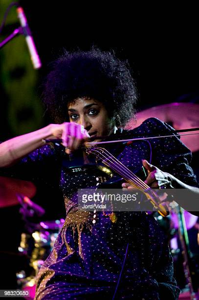 Simi Sernaker of The Duke and the King performs on stage at Placa del Rei on September 23 2009 in Barcelona Spain