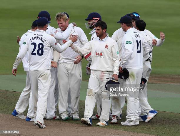 Simom Harmer of Essex celebrates with team mates after taking the final Warwckshire wicket of Henry Brookes during the victory in the Specsavers...