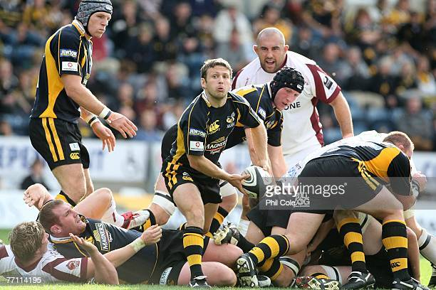 Simon Amor of London Wasps looks to pass during the Guinness Premiership match between London Wasps and Leicester Tigers at Adams Park on September...