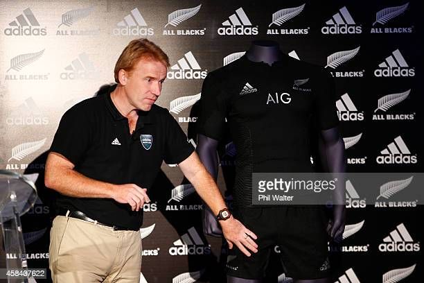 Simon Cartwright of adidas explains the construction of the new jersey during the adidas All Blacks Rugby World Cup kit launch on November 5 2015 in...