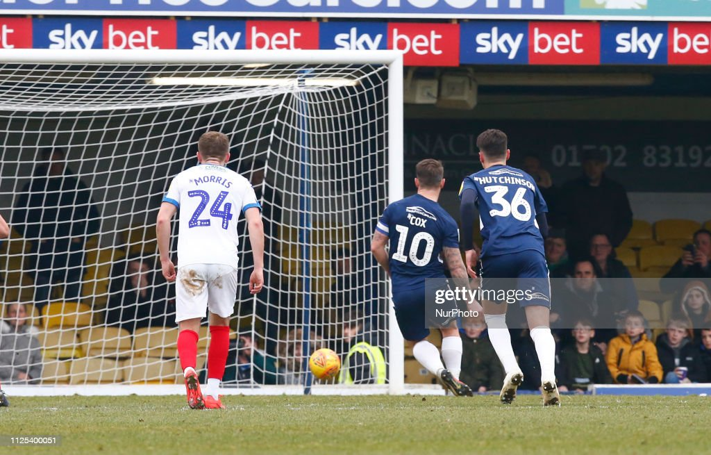 Southend United v Portsmouth - Sky Bet League One : News Photo