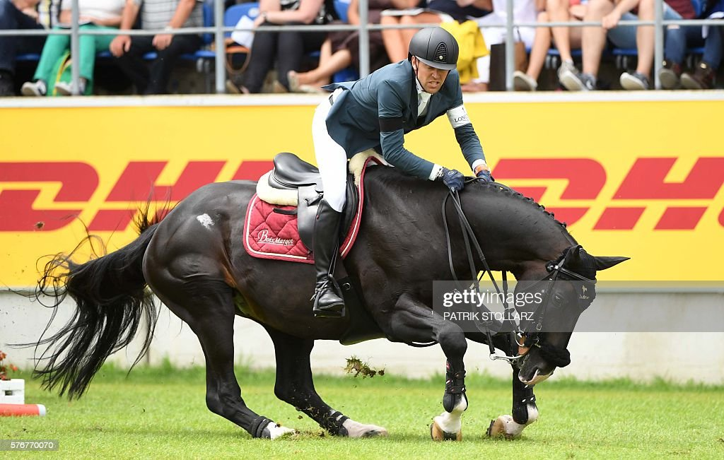 Simon Delestre Of France Jumps And Fails With His Horse Qlassic Bois News Photo Getty Images