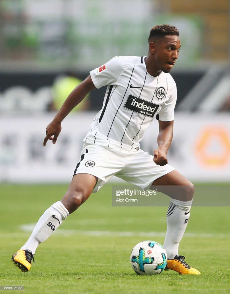 Simon Falette of Frankfurt controles the ball during the Bundesliga match between Eintracht Frankfurt and VfL Wolfsburg at Commerzbank-Arena on August 26, 2017 in Frankfurt am Main, Germany.