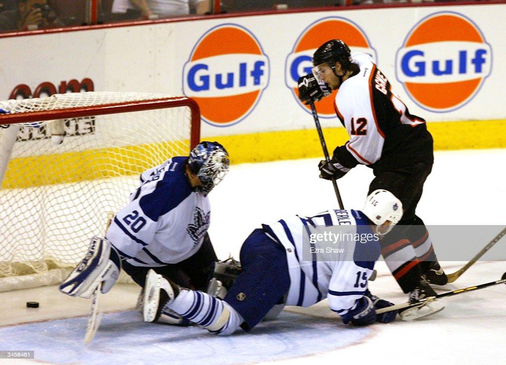 Maple Leafs v Flyers : News Photo