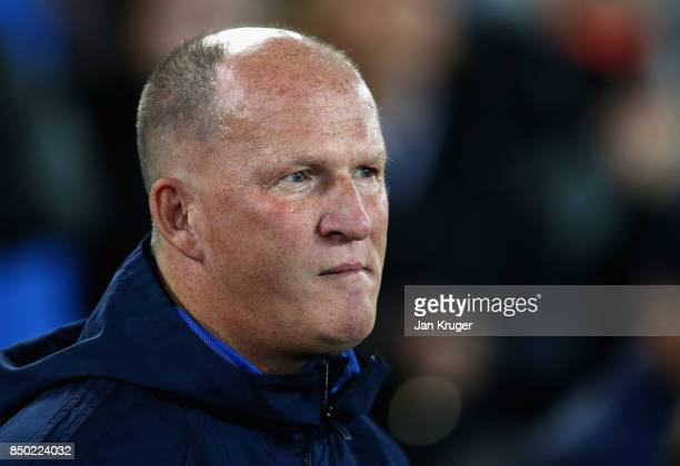Simon Grayson Manager of Sunderland looks on prior to the Carabao Cup Third Round match between Everton and Sunderland at Goodison Park on September...