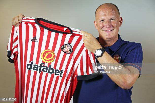 Simon Grayson poses for the first time as the new Sunderland manager at the Academy of Light on June 29, 2017 in Sunderland, England.