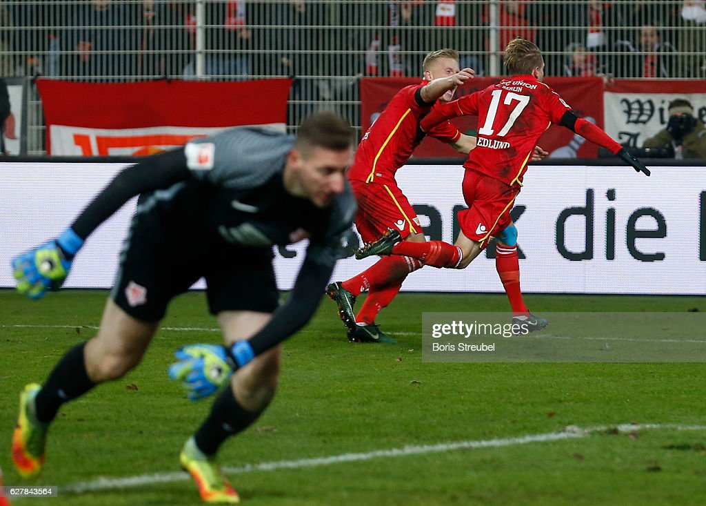 Simon Hedlund (R) of Union Berlin celebrates after scoring his team's first goal during the Second Bundesliga match between 1. FC Union Berlin and Eintracht Braunschweig at Stadion An der Alten Foersterei on December 5, 2016 in Berlin, Germany.