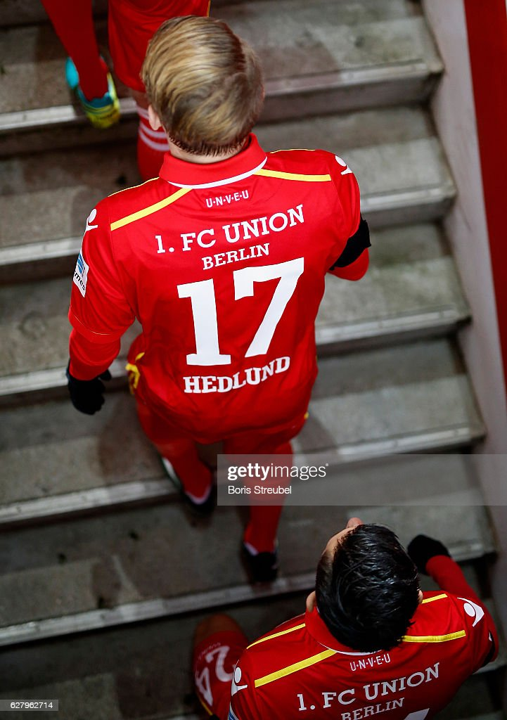 Simon Hedlund of Union Berlin enters the pitch prior to the Second Bundesliga match between 1. FC Union Berlin and Eintracht Braunschweig at Stadion An der Alten Foersterei on December 5, 2016 in Berlin, Germany.