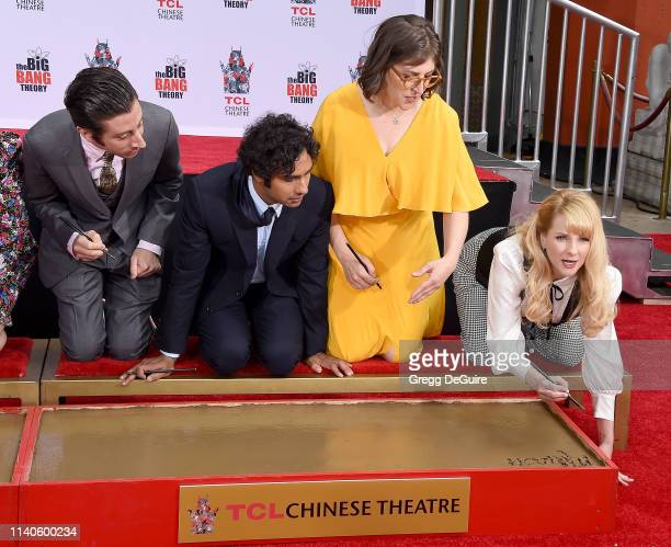 Simon Helberg Kunal Nayyar Mayim Bialik and Melissa Rauch of The Cast Of The Big Bang Theory Place Their Handprints In The Cement At The TCL Chinese...
