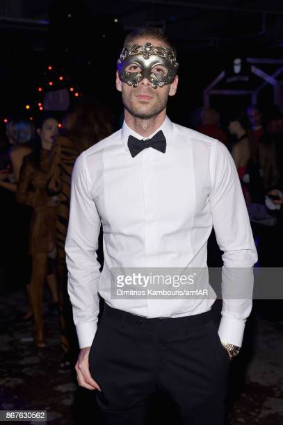 Simon Huck attends the 2017 amfAR The Naked Heart Foundation Fabulous Fund Fair at Skylight Clarkson Sq on October 28 2017 in New York City